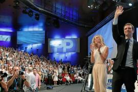 Pablo Casado vence en el congreso del PP y consuma el giro a la derecha