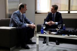 Casado y Rajoy mantienen una reunión de hora y media «cordial y llena de respeto»