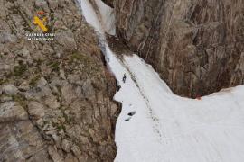 Muere un montañero tras precipitarse en los Pirineos