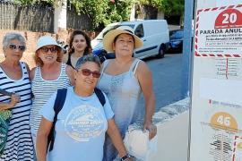 Vecinos de Sant Agustí denuncian que la línea 20 de la EMT ya no cubre el barrio