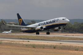 Fomento vigilará a Ryanair para que cumpla con los pasajeros durante la huelga