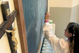 El Bisbat apelará al «trato discriminatorio» en la reducción horaria de Religión
