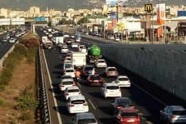 Retenciones en la autopista de Llucmajor por un accidente leve