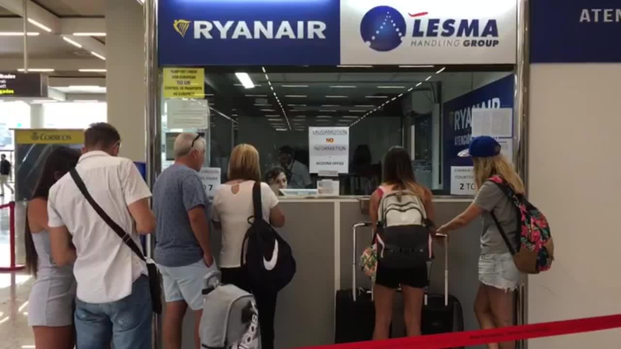 Ryanair desvía a sus pasajeros afectados a hoteles de la Playa de Palma