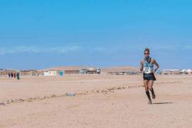 La mallorquina de origen saharahui Inma Zanoguera gana el Sahara Marathon