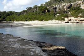 Fallece una joven ahogada en Cala Llombards