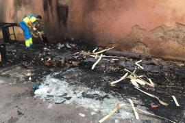 Una nueva quema de contenedores en Palma deja varios vehículos afectados
