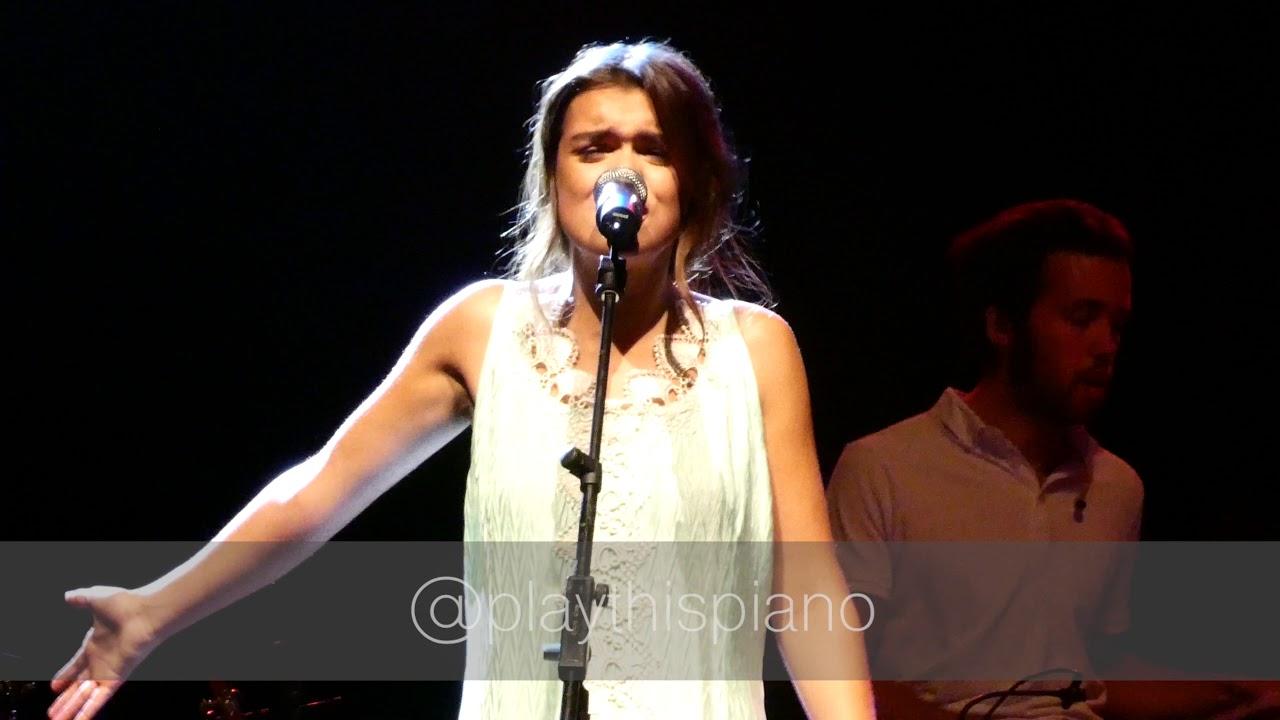 Amaia Romero (OT) versiona a Antònia Font en el Teatro Real de Madrid