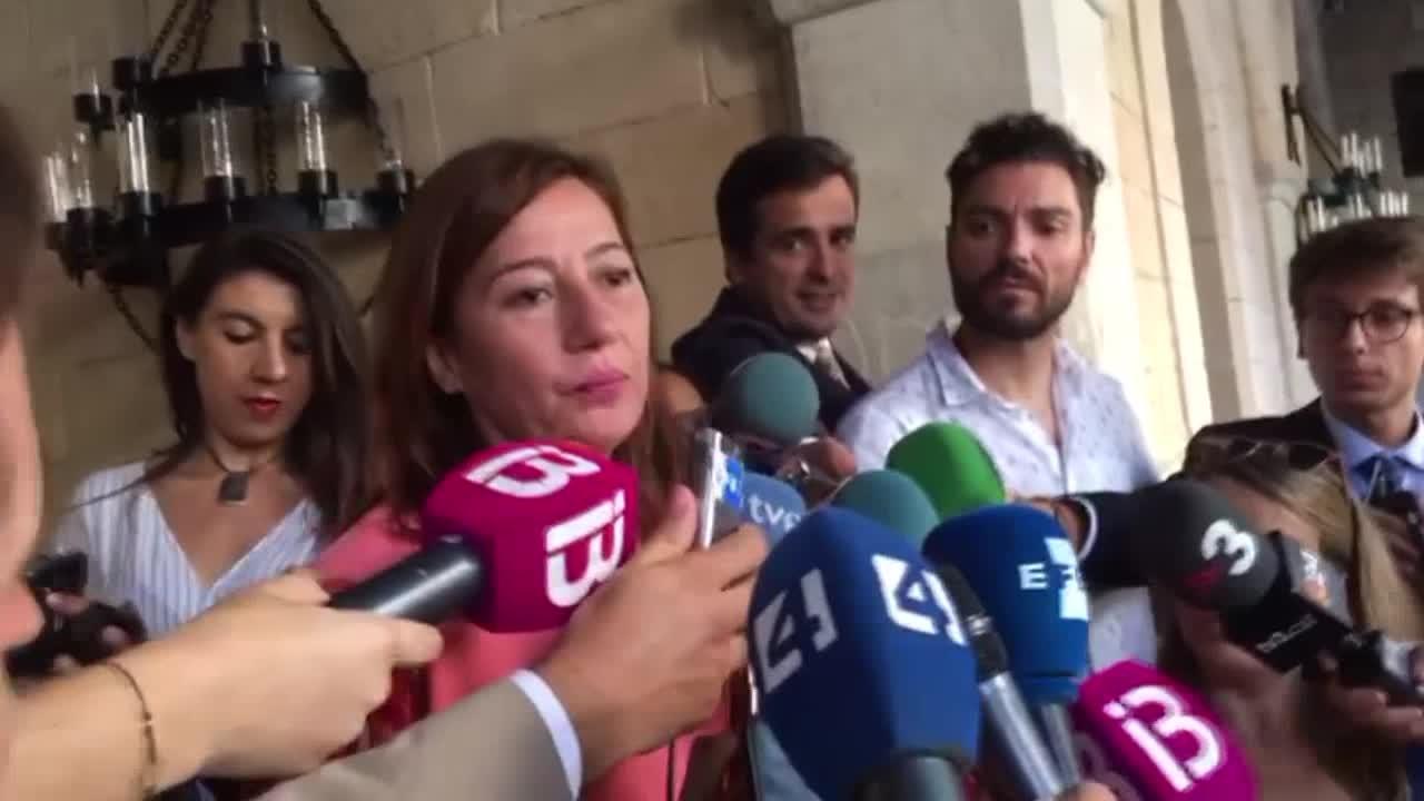 Felipe VI recibe en La Almudaina a las autoridades de Baleares