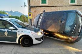 Un ladrón se estrella contra la Guardia Civil tras robar en Inca, Moscari y Campanet