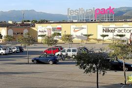 Los dueños del Festival Park ponen a la venta el centro comercial, que costó 200 millones