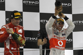 Victoria de Hamilton, segundo puesto de Alonso y abandono de Vettel en Adu Dhabi
