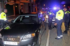 Detenido un conductor ebrio por arrollar a varios policías y sembrar el pánico en el Marítim de Palma