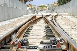 El Govern invertirá 66 millones en eliminar los pasos a nivel y mejorar las estaciones de tren