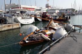 Reflotan el velero hundido que chocó contra un pesquero en Palma
