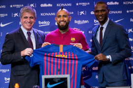 Arturo Vidal supera las pruebas médicas y firma con el Barça