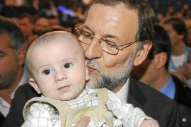 Rajoy abre la puerta de su Gobierno a profesionales sin pasado político