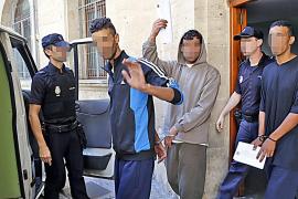 Detenidos por robo tres menores que llegaron en patera hace quince días
