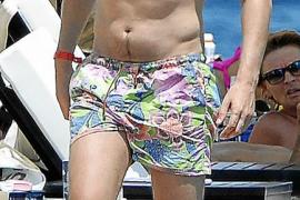 Luis Medina se broncea al sol de Mallorca