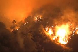 California lucha contra el peor incendio forestal de su historia