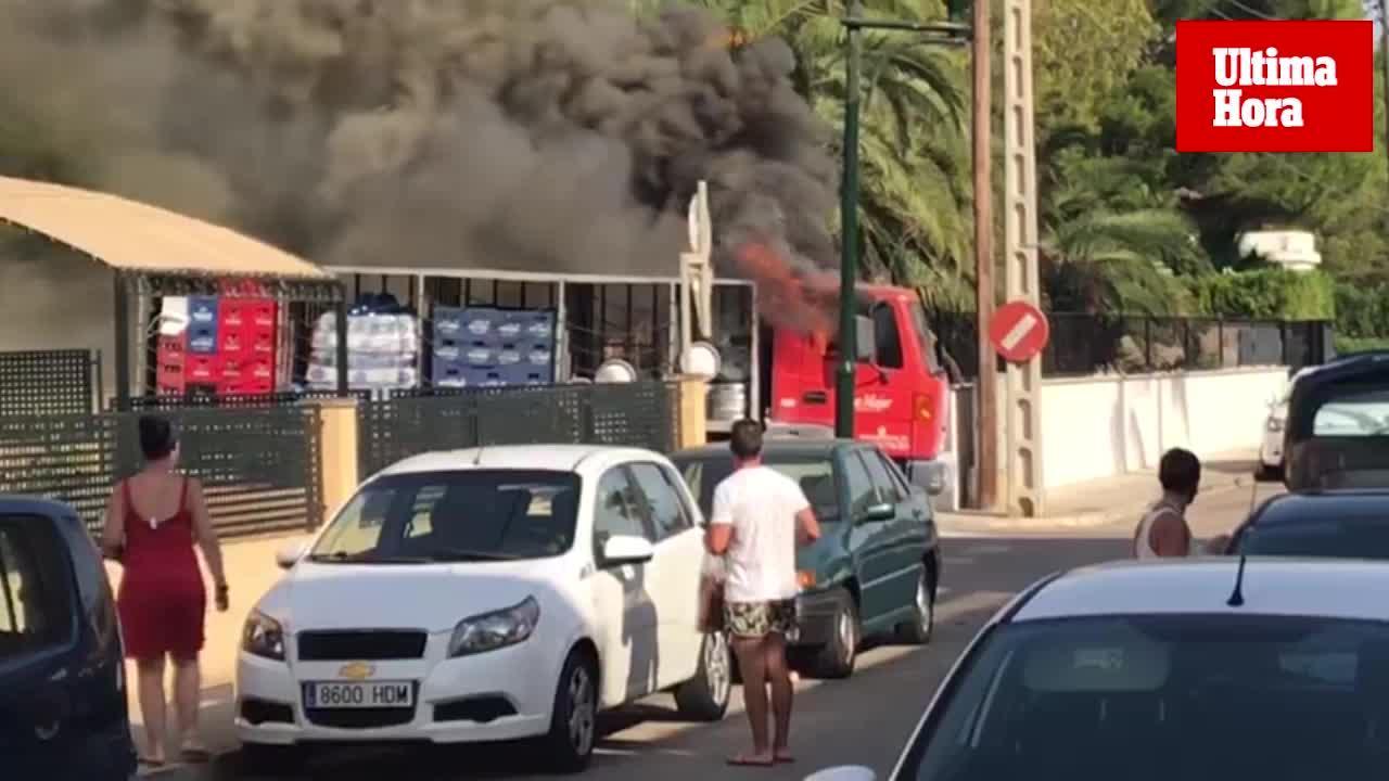 Se incendia un camión en la Colònia de Sant Jordi