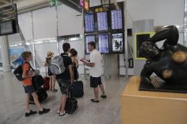 Tranquilidad en el aeropuerto de Palma en la jornada de huelga de los pilotos de Ryanair