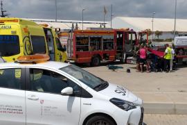 Liberan con una radial el dedo de un trabajador atrapado en una herramienta en Ibiza