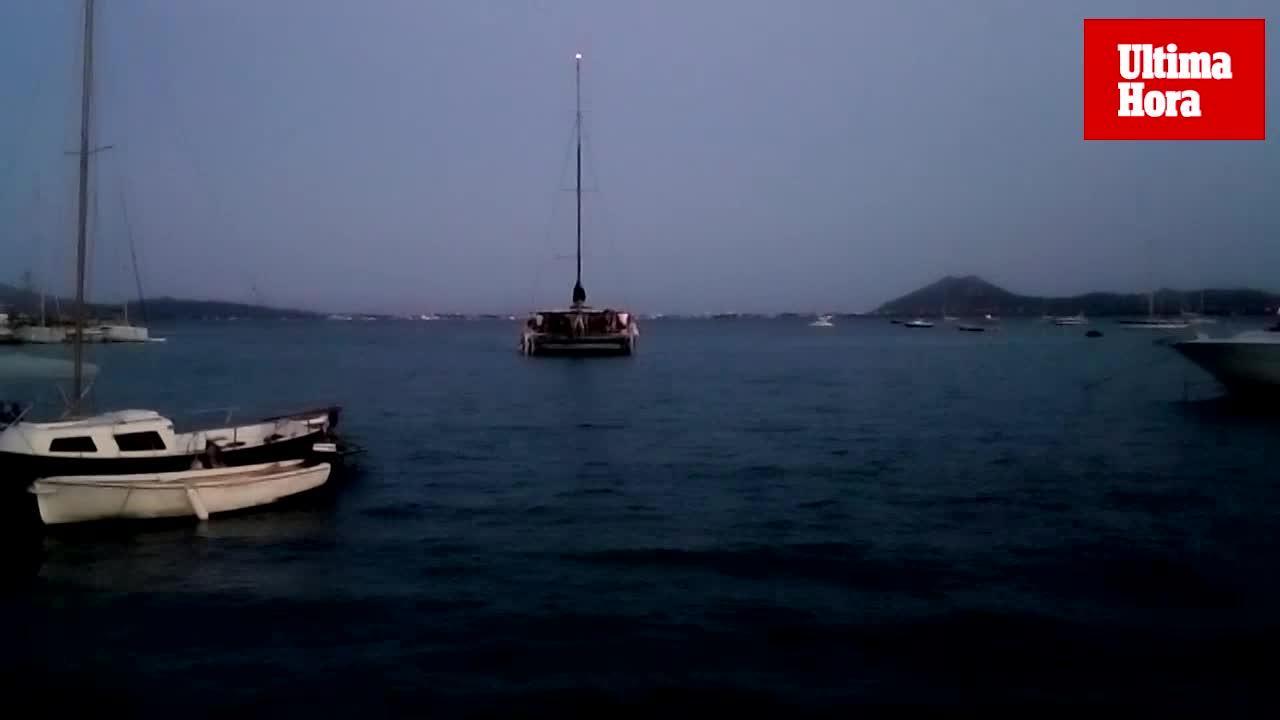 Denuncian una 'party boat' en la bahía de Pollença