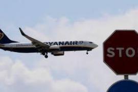 Un piloto de Ryanair se suicida en el aparcamiento del aeropuerto de Málaga