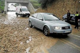 Las lluvias vuelven a provocar inundaciones y cortes en algunas carreteras de Mallorca