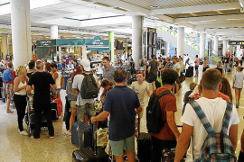Son Sant Joan supera por vez primera los cuatro millones de pasajeros en julio
