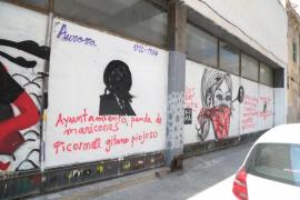 Detenido el autor de las pintadas fascistas en el Casal Voltor Negre