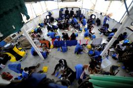 El 'Aquarius' atracará en Malta y sus migrantes serán repartidos entre cinco países, entre ellos España