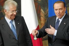 Monti forma un Gobierno de tecnócratas y se reserva la cartera de Economía