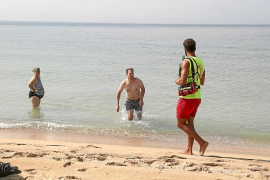 El Ayuntamiento de Palma ya asume que tendrá que cerrar las playas gran parte del mes de agosto