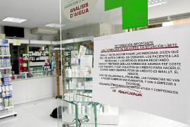El Govern empieza a pagar la deuda a los farmacéuticos de las Islas