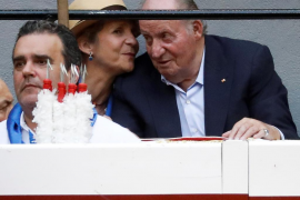 El rey Juan Carlos reaparece en una corrida de toros en San Sebastián