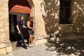 Detienen a un turista por una agresión sexual a una joven en la Playa de Palma