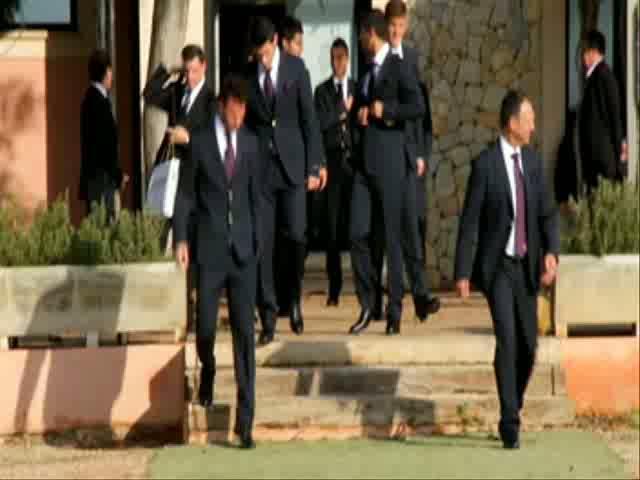 El Mallorca se hace la foto de traje oficial