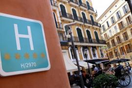 Los hoteles de cinco estrellas bajan su RevPar un 1,41% en Balears durante 2017
