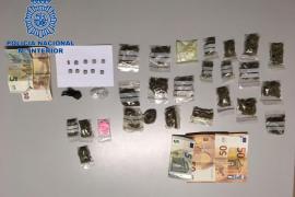 Detenidos dos jóvenes en la Playa de Palma por posesión de drogas