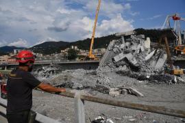 Aumenta a 41 el número de víctimas del derrumbe del puente en Génova