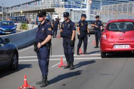 Un policía haciendo 'running' detiene a un carterista en la Playa de Palma
