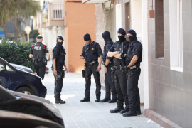 Los Mossos tratan el ataque a su comisaría de Cornellà como «atentado terrorista»