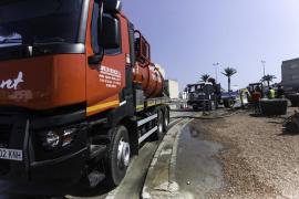 La rotura de una tubería deja vertidos fecales en el puerto de Ibiza (Fotos: Daniel Espinosa).
