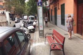 La EMT instalará 30 bancos en diversas paradas de autobús de Palma