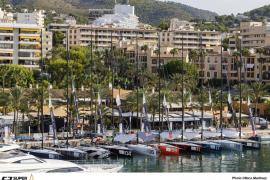 La falta de viento aplaza el inicio de la Puerto Portals 52 Super Series Sailing Week