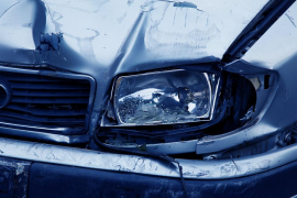 Dos hermanos sobreviven dos días solos tras un accidente de tráfico en el que murió su madre