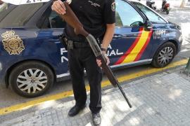Dos jóvenes detenidos al robar dos escopetas en una casa de Son Macià