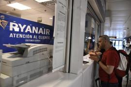 Ryanair se disculpa por enviar por error cheques de compensación defectuosos